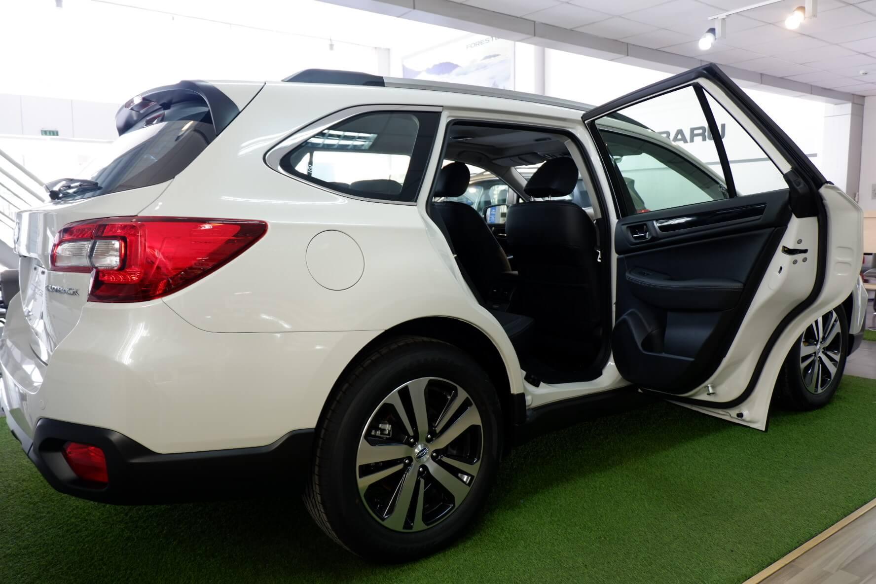 Giá xe Subaru Outback Eyesight 2021 12