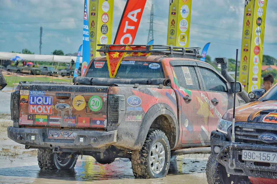 Các xe bán tải Ford Ranger chiếm số lượng vượt trội