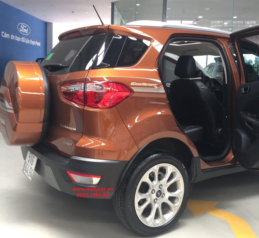 Ford Ecosport 2021 chiến mã số 1 trên đường phố đô thị 4