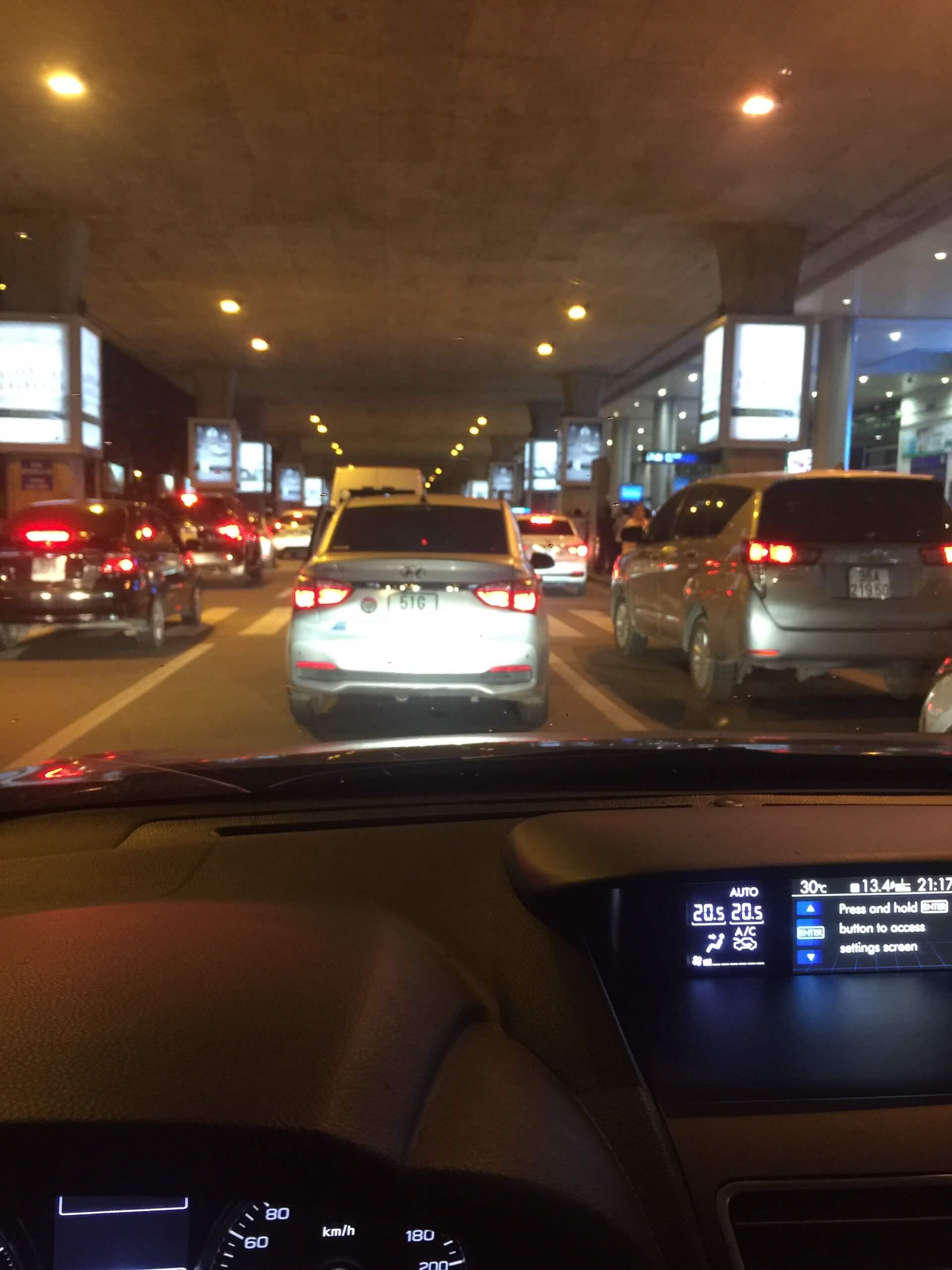 Kinh nghiệm đưa đón khách ở sân bay Tân Sơn Nhất