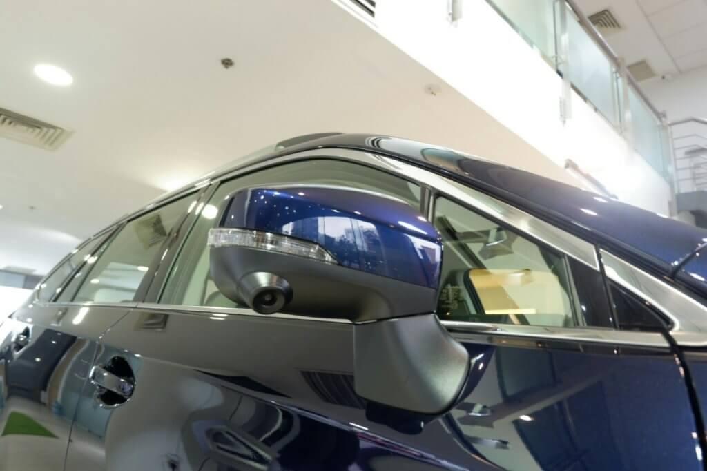Subaru Outback có camera giúp cập lề an toàn
