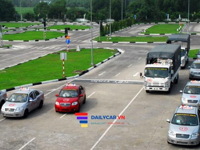 Các lỗi vi phạm giao thông sẽ bị trừ điểm giấy phép lái xe 13