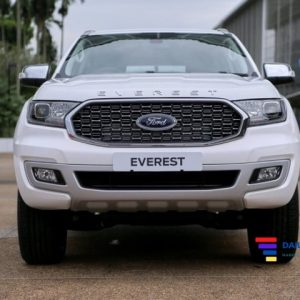 ford-everest-2021-nang-cap-moi-canh-tranh-fortuner-1