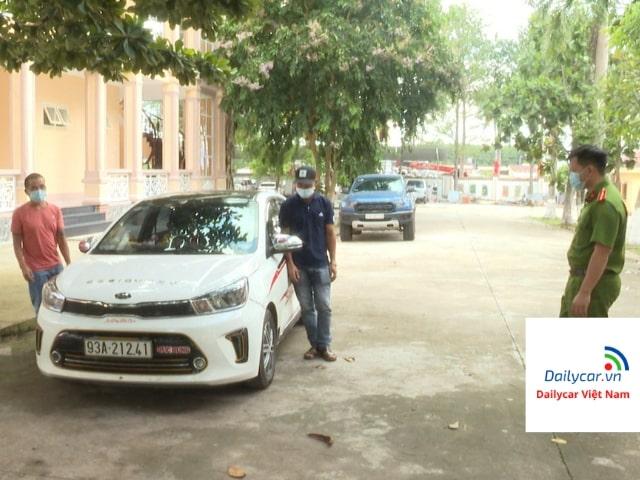 Công an nổ súng truy đuổi xe ôtô thông chốt kiểm dịch Covid-19 1